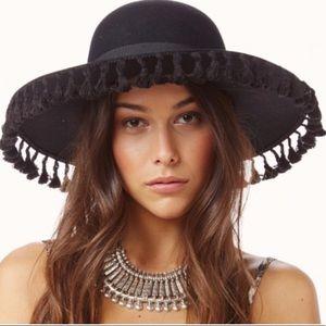 New! Rare Brixton Cold Fox Tassel Hat
